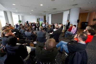 Foto zeigt Plenum der Europaveranstaltung