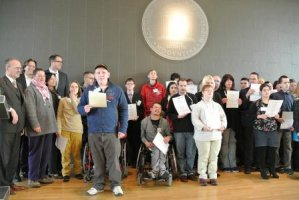 Absolventinnen und Absolventen des Berufsbildungsbereiches in Rheinland-Pfalz erhalten Zertifikat