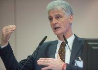 Dr. Rolf Schmachtenberg vom BMAS